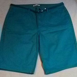 Women's dize 16 long shorts.
